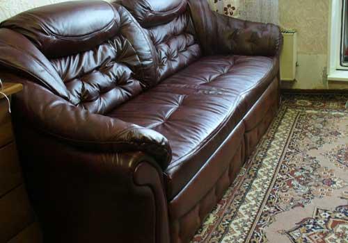 Как отреставрировать подлокотники у дивана своими руками